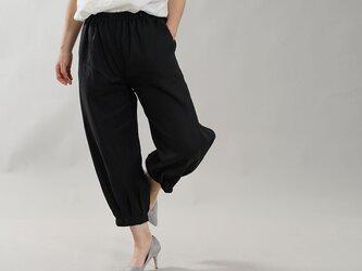 【wafu】やや薄地 柔らかい リネン パンツ 裾タック ボトムス ヨガパンツにも / ブラック b013a-bck1の画像