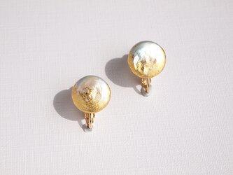 金箔とパールのイヤリング/moon/受注生産の画像
