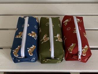 横長ボックスポーチ(柴犬と渦巻 3色)の画像