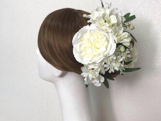 オールドローズと胡蝶蘭とネリネのヘッドドレス  成人式 和装婚 オールドローズ  紫陽花 髪飾り 造花 白 バラの画像
