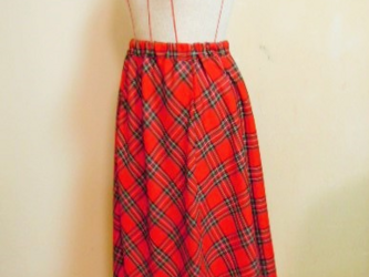 タータンチェックのギャザースカート・赤の画像