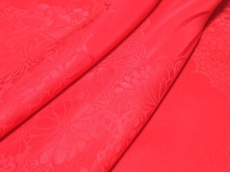 正絹 長襦袢地 綸子 はぎれ【雲に草花模様織り出し】赤 50cmの画像