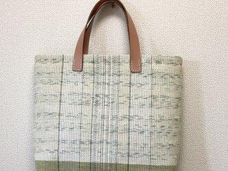 裂き織り 夏の涼色 ツートンカラーのハンドバッグ ヌメ革持ち手の画像