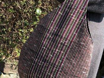 裂き織り ティアドロップな手さげバッグの画像