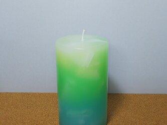 グリーンとブルーのグラデーションキャンドルの画像