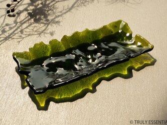 ガラスのトレイ - 「 みどりのガラス 」 ● 18×8 (cm)・光沢の画像