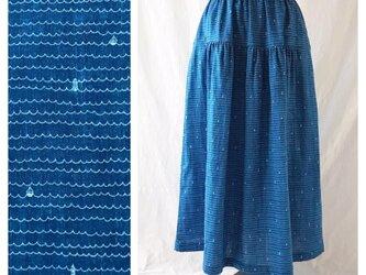 肌ざわり至上主義】上品マリンのティアードスカート(ヨットと灯台:ブルー)の画像
