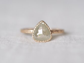 Pale Cloud Diamond Ringの画像