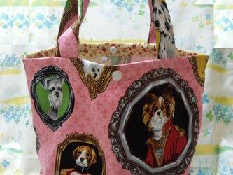 手縫い☆マチ付トート☆プラスナップ付☆ピンク色額縁犬柄☆ランチバッグ・マルシェバッグ☆裏地なしの画像
