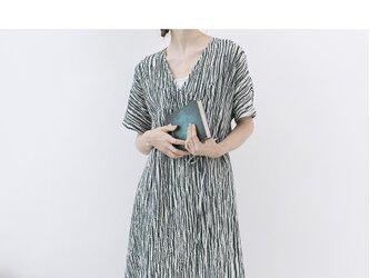 ★夏新作★【L】シワ加工ストライプがらシンプルな半袖ワンピース♪の画像