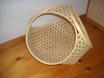 差し六つ目編み三輪縁バスケットの画像