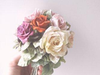 ミニ薔薇のブーケ * ビロード製など * アレンジメント ガラスの画像