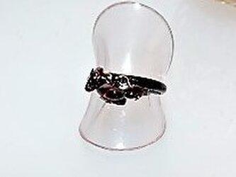 【指輪】ブラック・パープルストーン・サザレ石・リング・フリーサイズ♪の画像