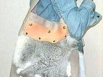 ファー付き麻のワンショルダーバッグの画像
