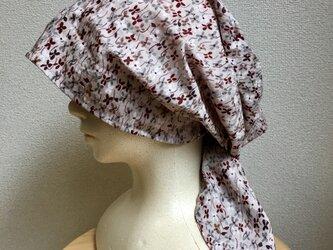 ボリューム夏用ケア帽子  うす小豆小花の画像