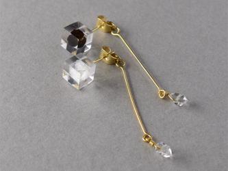 ハーキマーダイヤモンドと塩コショウのピアス(岩塩, 黒胡椒, 天然石, レジン, ステンレス, 送料無料)の画像
