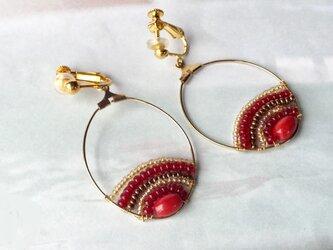 赤いサンゴのフープイヤリング(金具変更可)の画像
