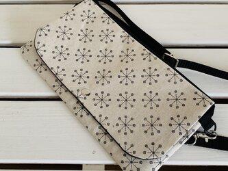 サコッシュバッグ (Cross flower 黒)の画像