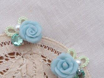 ピアス <朝露と青いバラ>の画像