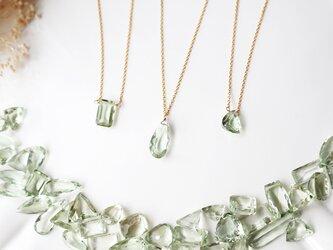【14kgf】宝石質グリーンアメジストの一粒ネックレス(ペアシェイプミレニアムカット)の画像