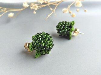 山野草のピアス -wild strawberry- [forest green]の画像
