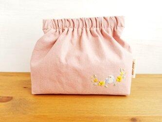 花ざかりのことりさんバネポーチ(ピンク)☆刺しゅう 小物入れ マチ付きポーチの画像