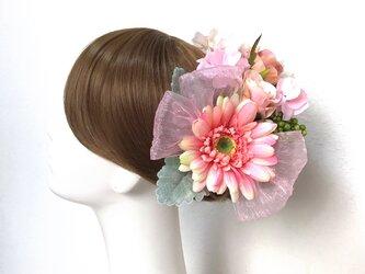 ピンクのガーベラと紫陽花のヘッドドレス(Uピン 18本セット) 結婚式 ガーベラ バラ ウェディングの画像