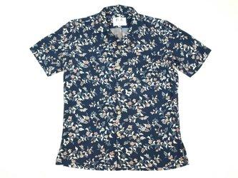 アロハシャツ 本物の着物地仕立て 着物 正絹 メンズ レディース ユニセックス 夏 海 総柄 半袖 紺色地 花柄 Sサイズの画像