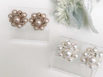 【Atelier Amie】スワロフスキー社製ガラスパールイヤリングの画像