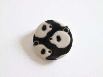 磁器ブローチ 丸 パンダ ブラックの画像
