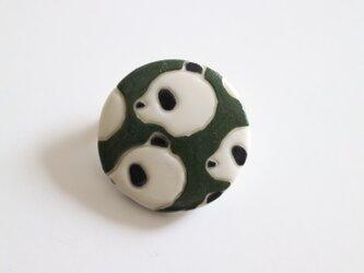 磁器ブローチ 丸 パンダ グリーンの画像