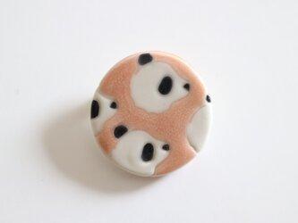 磁器ブローチ 丸 パンダ ピンクの画像