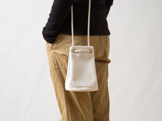 2way巾着バッグ 生成りの画像