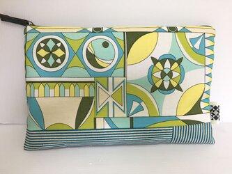 バッグインバッグ クラッチバッグ 図形デザインの画像