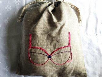 ブラ刺繍の巾着(ぴんく)の画像
