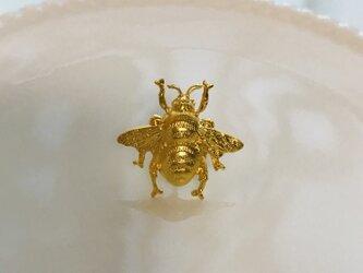 Victorian bee mini ピアスの画像