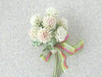 シロツメ草 クローバーの花束 * コットン製 * コサージュの画像