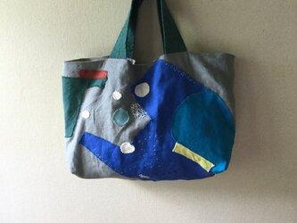 コラージュリネンバッグ 「流れる水、とどまる水」の画像