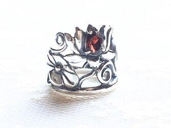 シルバー×ガーネットリング「蓮華」の画像