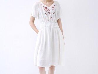 【S】刺繍小花でシンプルな半袖ワンピース♪の画像
