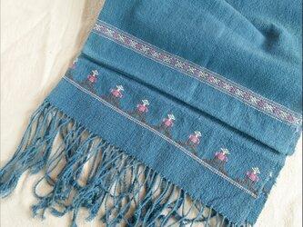 セール価格!タイの草木染め&手織りブランケット 藍色(ベビーから大人まで、織り刺繍)の画像