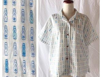 【肌ざわり至上主義】ダブルガーゼのレディスアロハシャツ(ラムネ::オフ白地×ブルー)の画像