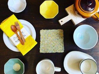 夏の食卓飾るコースターの画像