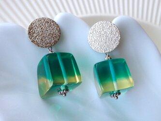 mint drop earring の画像