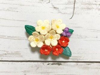 花束の手刺繍ブローチ2の画像