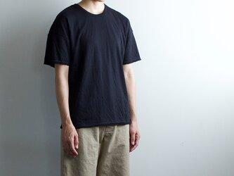dual-layered fabric tshirt/blackの画像