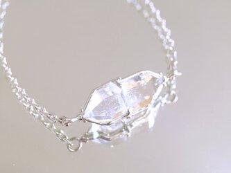 きらめきの双水晶 ダイヤモンドクォーツ原石 腕飾りの画像