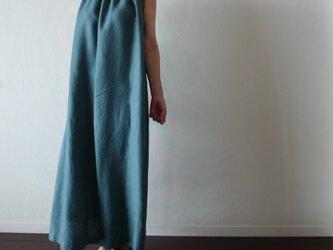 リネン胸元ギャザーノースリーブワンピース ブルーグリーンの画像