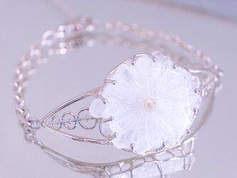 お陽さまの花 ソーラークォーツ(水晶)原石 腕飾りの画像