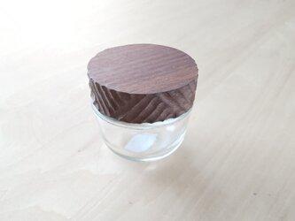 木の蓋の小物入れ【菓子型】の画像